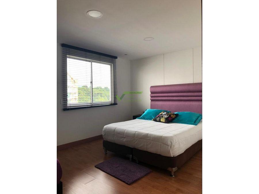 se vende apartamento duplex en pinares pereira