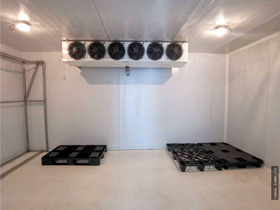 almacen frigorifico independiente