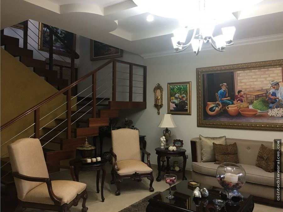 venta de casa grande res el sauce 350000