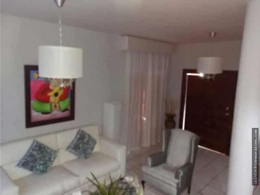 vendo casa en reslos angelescircuito125000