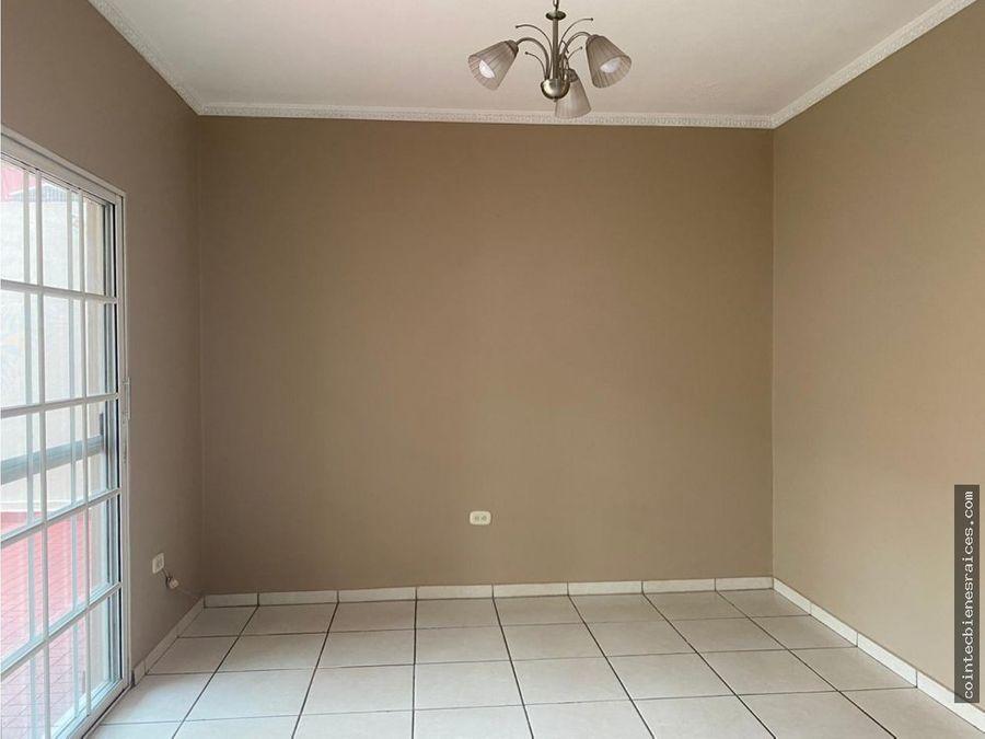 alquilo casa modernareslomas de toncontin l16000