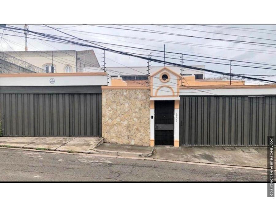 alquilo casa lujosalomas del guijarrocircuito4 habestudio 1500