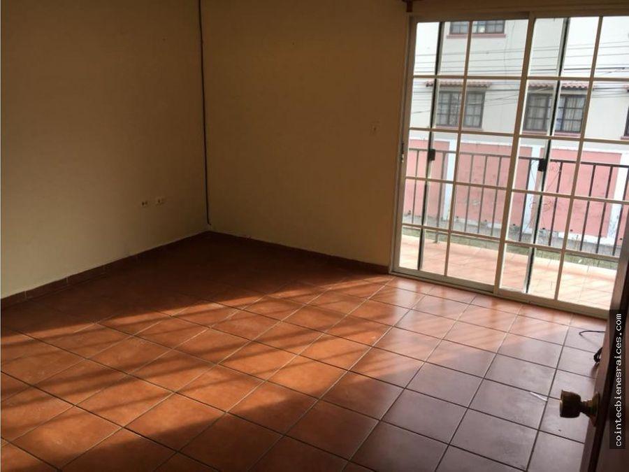 vendo bonita casa moderna reslas hadas 135000