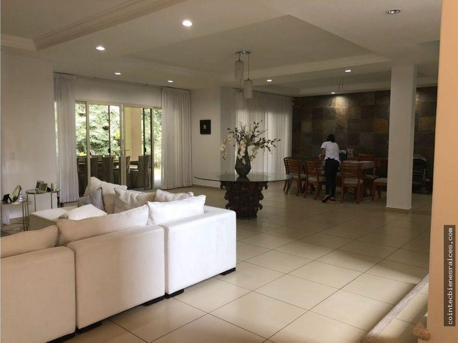 venta de hermosa casa en el hatillo600000