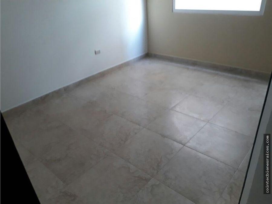 alquilo condominio moderno en col lara 1100