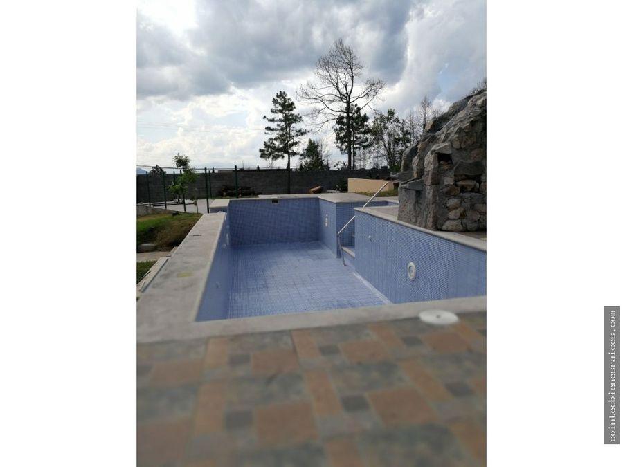 alquilo hermosa casael hatillo con piscina1500