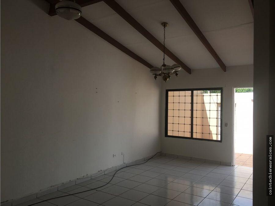 venta de casa en villa universitaria lps2700000