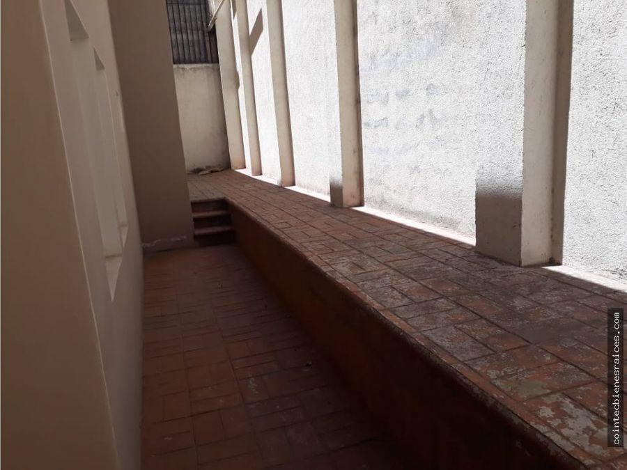 alquilo condominio amueb lomas del guijarro 1050