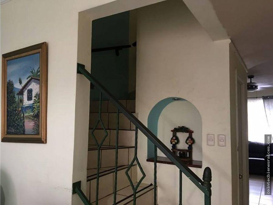 vendo bonita casa reslas hadas l3500000