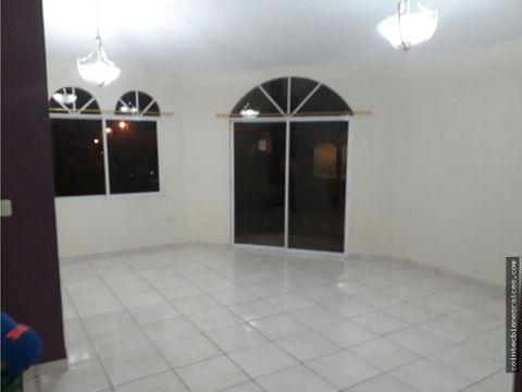 apartamento en reslas hadas3 hab lps 11000