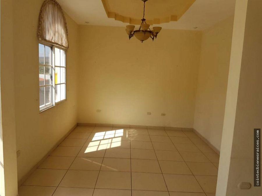 vendo casa hermosa y grande en roble oeste135000