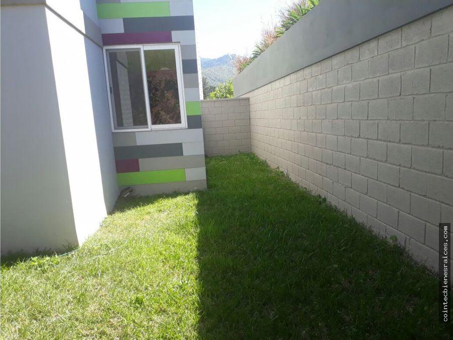 alquil bonito apto con patioecovivienda 600