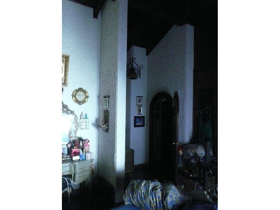alquilo casa en reslos castanos1100