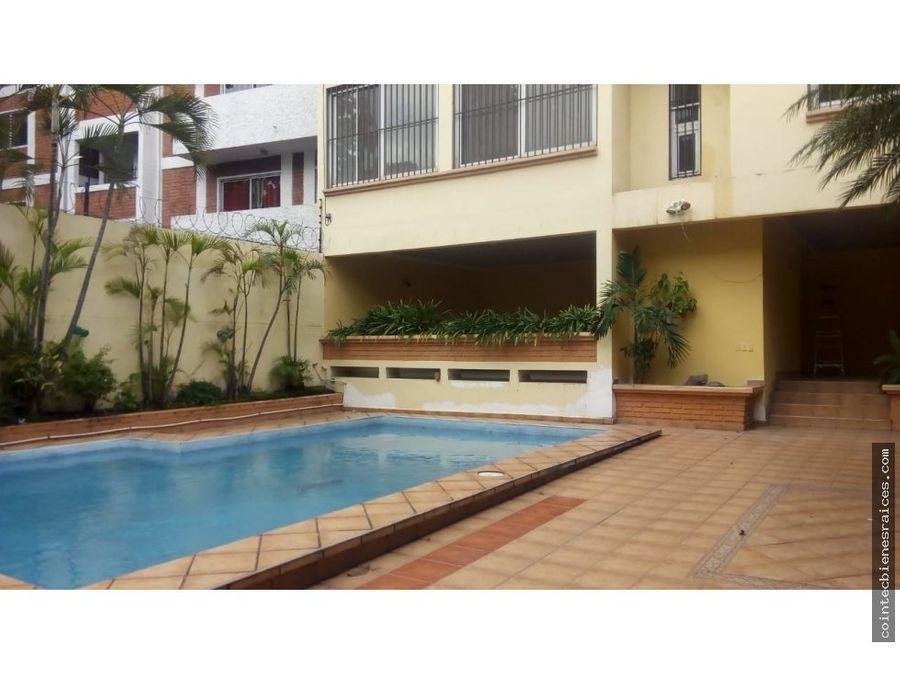 alquilo casa grande con piscinacastanos3000