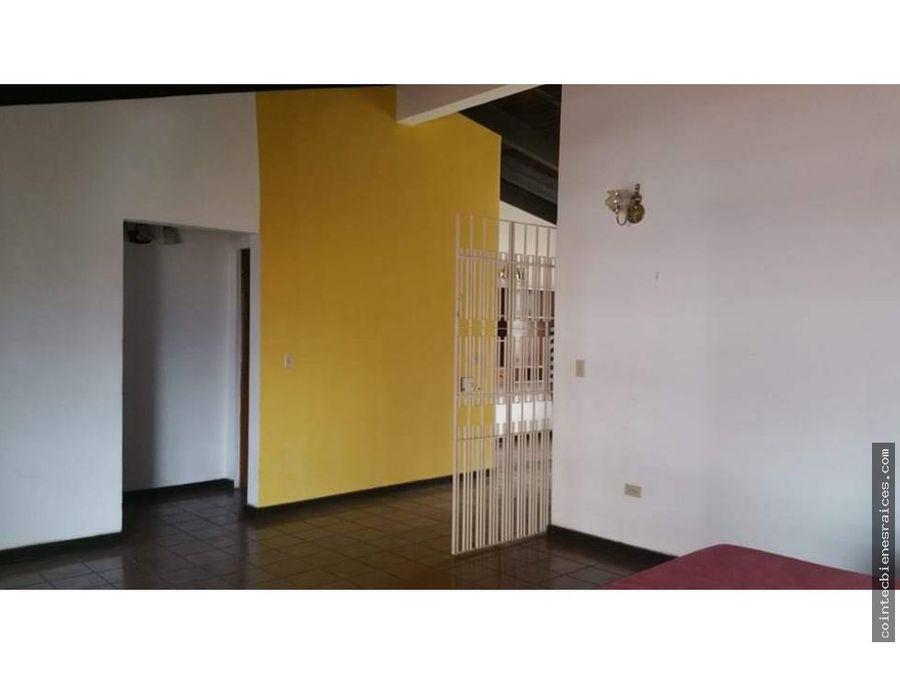 alquilo casa grandevivienda o oficinalomas del guijarro1500