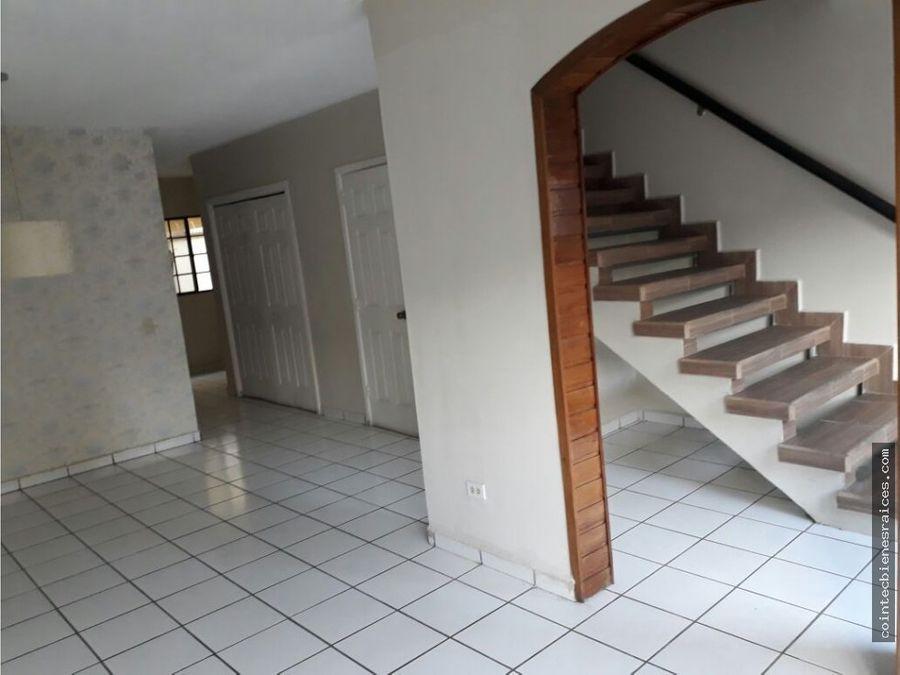 alquiler town houselomas del guijarro l14000