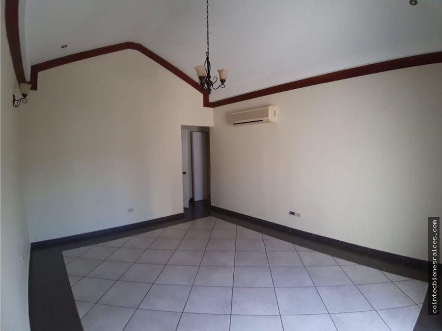 alquilo casa modernala haciendacircuito 1100