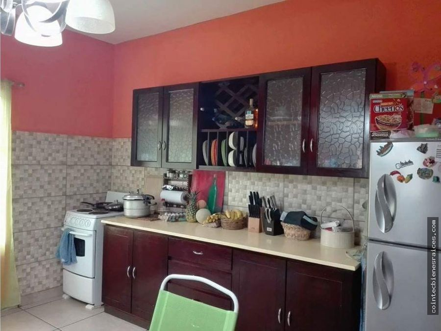 vendo casa grande en valle de angeles l3500000