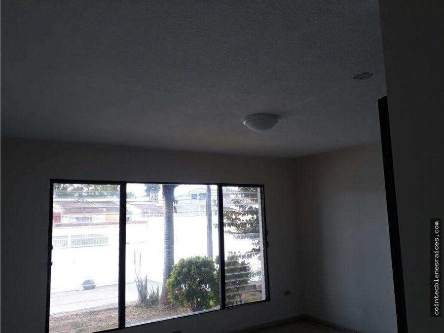 alquilo apartamento grande en tres caminos 500