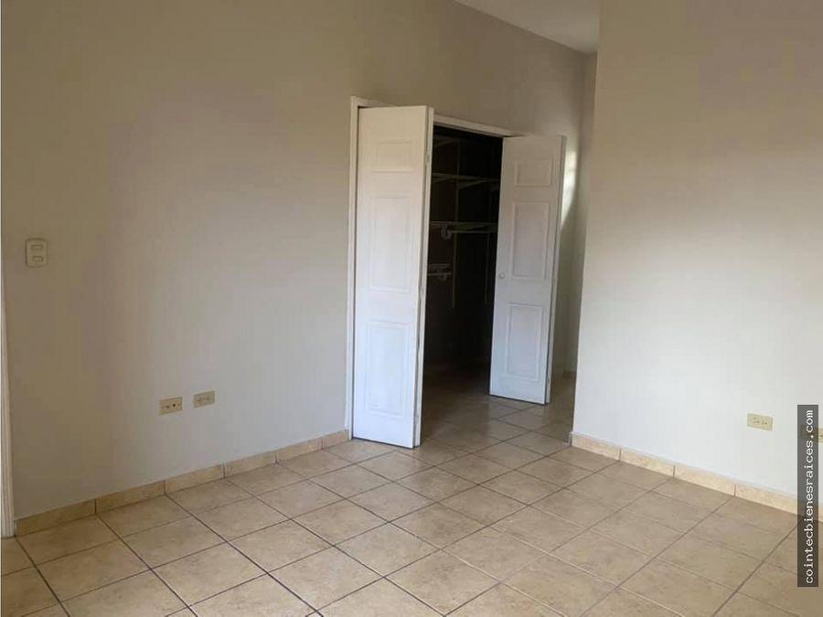 alquilo casa modernapor el aeropuerto 4 habl14200