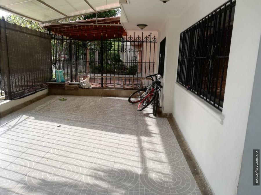 vendo casa duplex en villa carolina