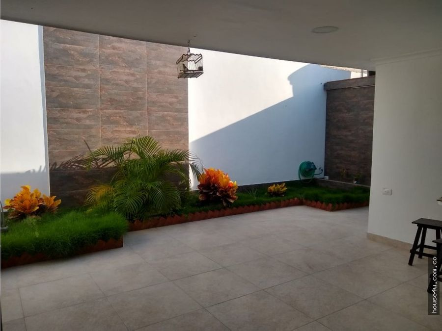 se vende estupenda casa barrio ciudad jardin
