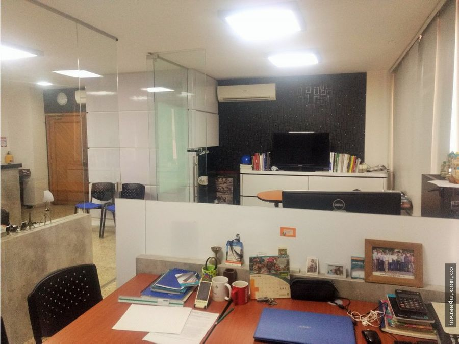 oficina en arriendo en country plaza barranquilla