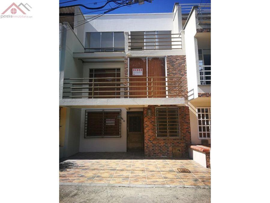 se vende casa en el barrio el poblado 2