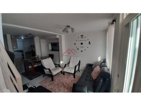 se vende excelente casa duplex en buen sector dosquebradas