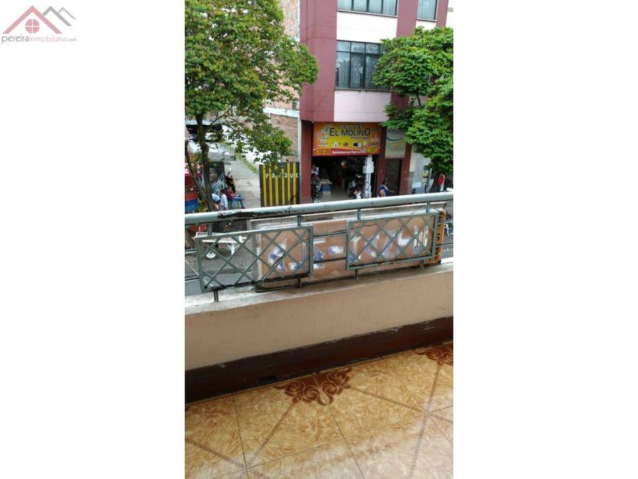venta de casa comercial de 3 pisos en el centro