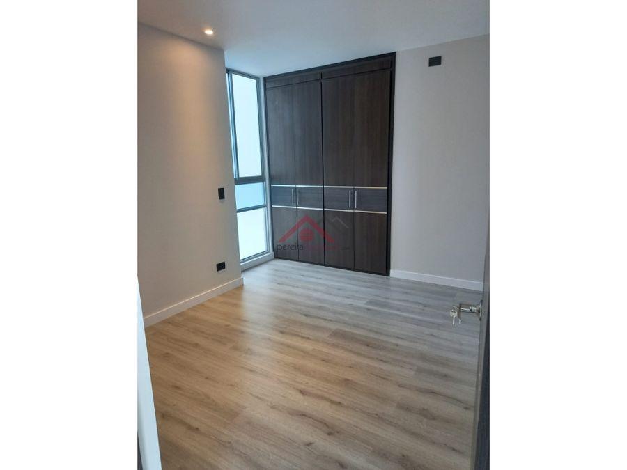 se vende espectacular apartamento en pinares