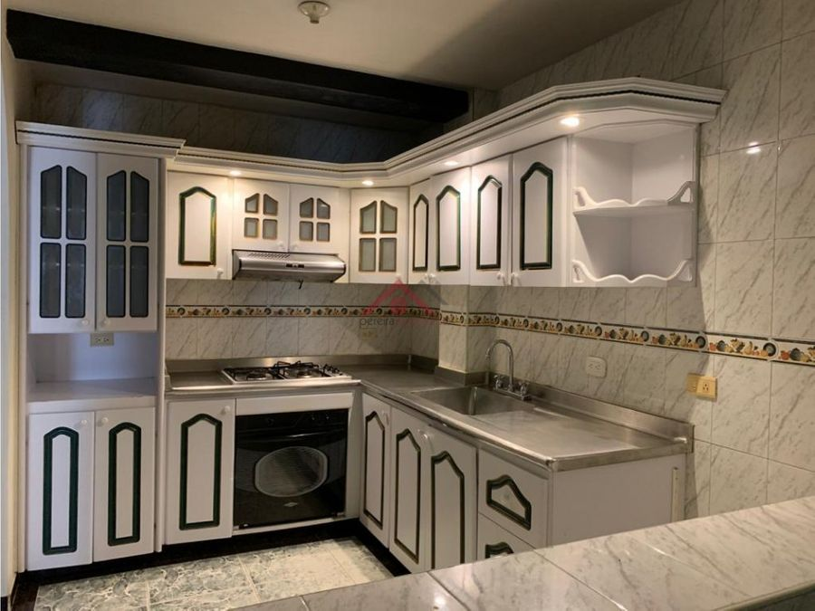 se vende casa de 3 niveles en dosquebradas