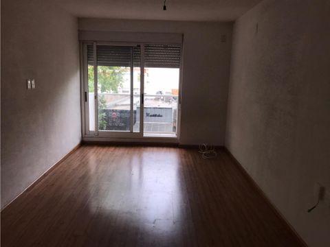 buceo un dormitorio garaje