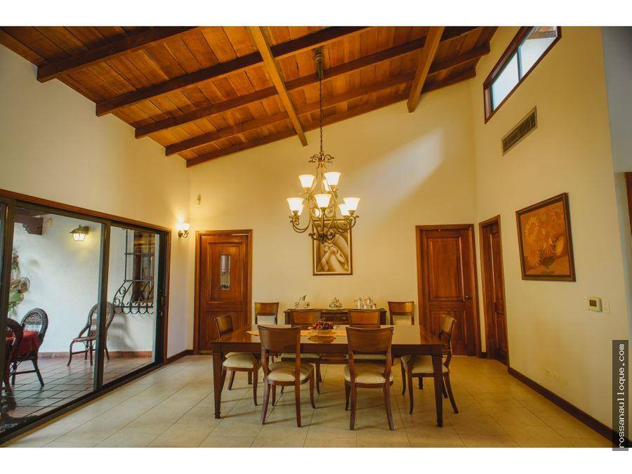 se vende hermosa propiedad en el barrio riomar bquilla