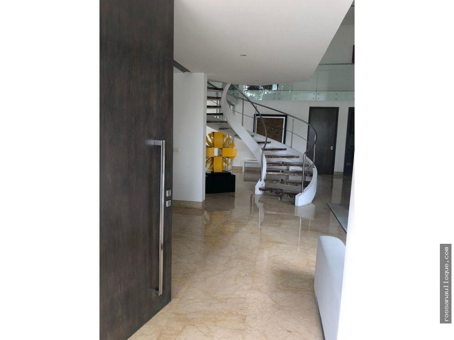 casa ubicada en sector de mayor valorizacion