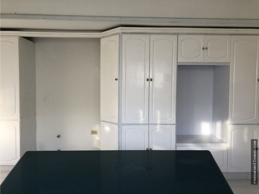 se vende apartamento para remodelar en golf