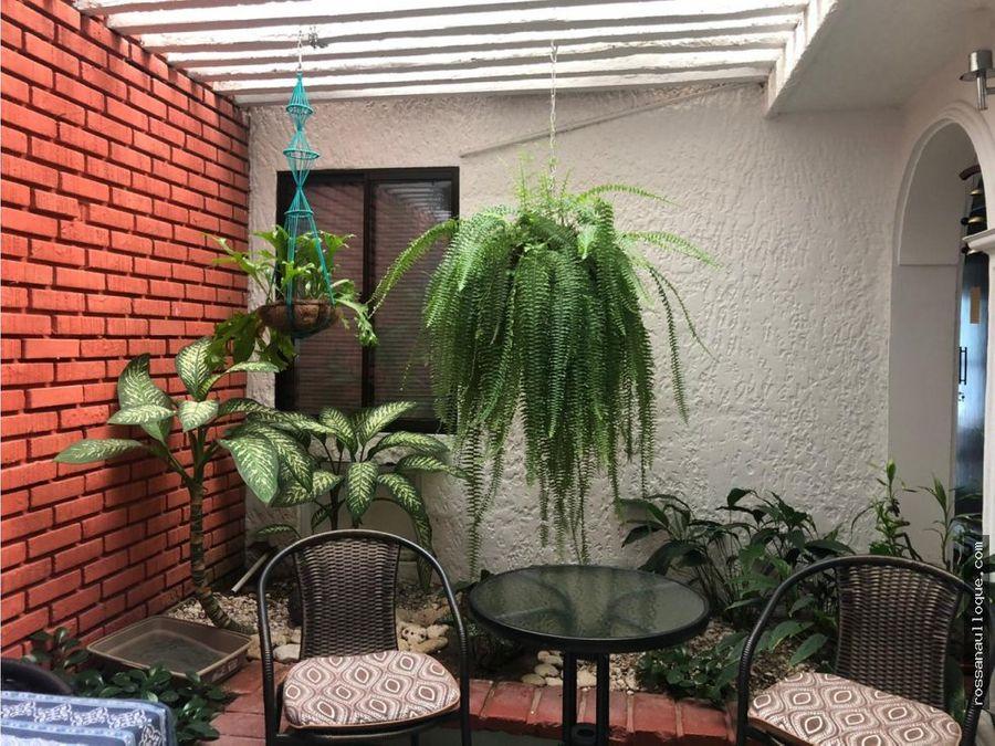 venta de hermosa vivienda bifamiliar