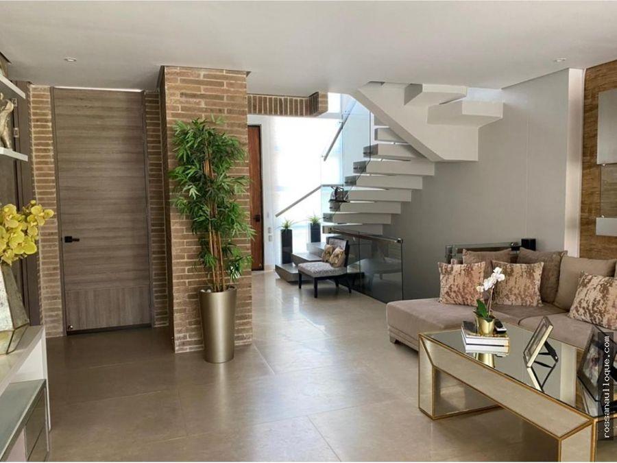 venta de espectacular casa en buen sector de la ciudad