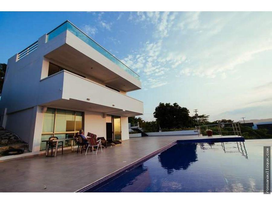 venta de hermosa casa en lomas de caujaral