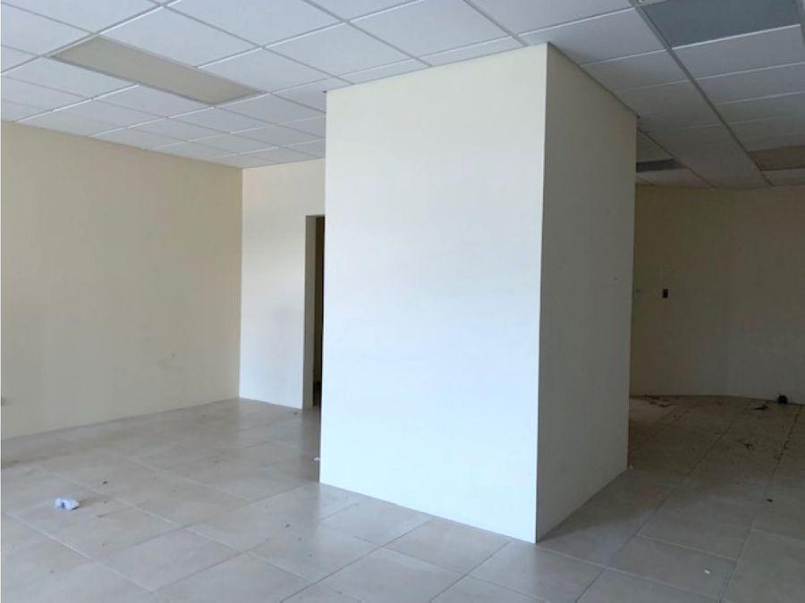 oficina en renta zona 10 zona pradera