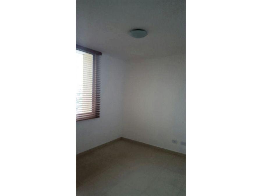 apartamento en punta pacifica 130 mts2 16718