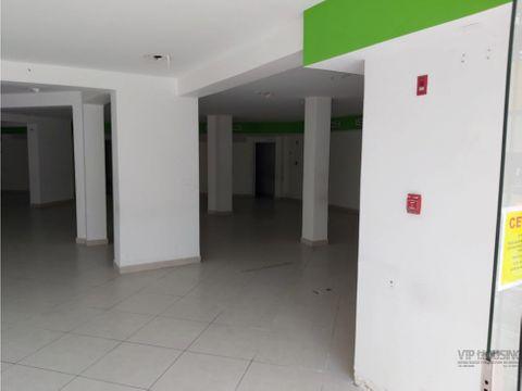 local pb 257m2 en area bancaria para alquiler 875000
