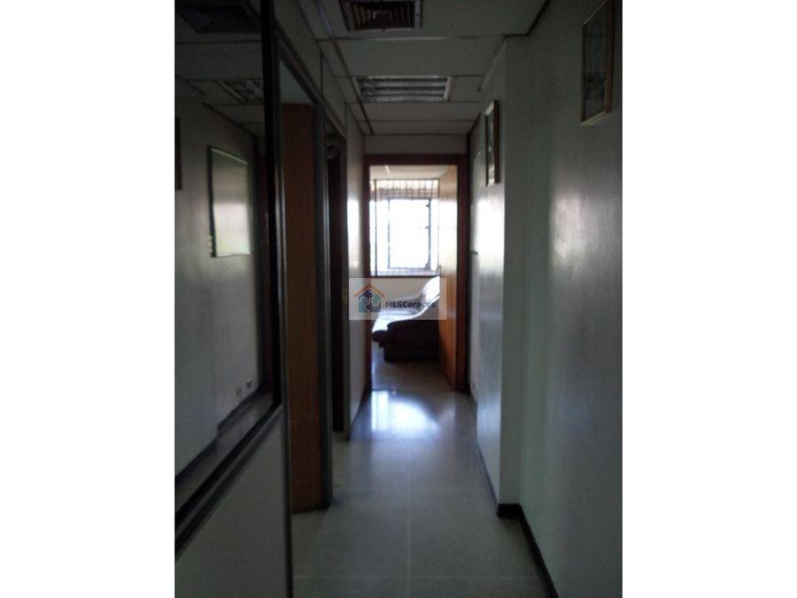 se vende oficina 63m2 la hoyada