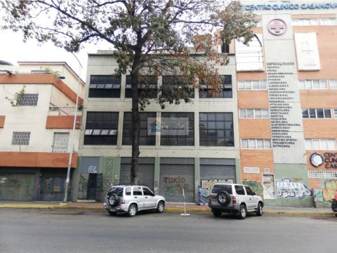 se vende edificio 1000m2 sabana grande