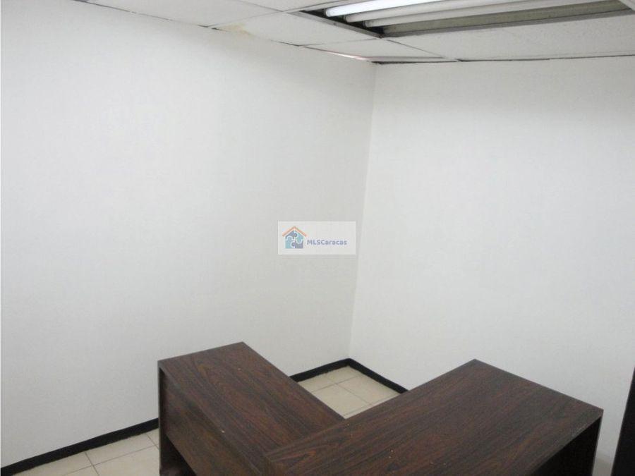 se vende oficina 76m2 parque cental