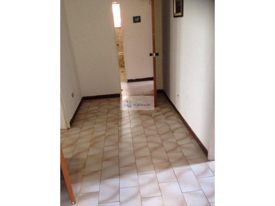 se vende casa 800m2 3h1b1p el junquito