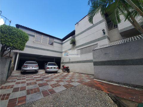 casa en venta prados del este mas de 1000 mts 8h 7b 10p