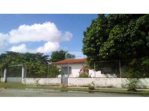 linda casa remodelada higuerote 105 m2 723m2 3h2b10p