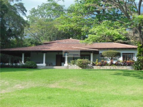 se vendealquila casa 500m2 6h5b10p country club