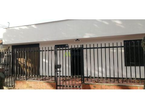 venta casa con seis apartaestudios prados del norte